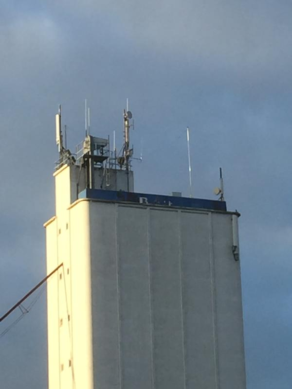 The antenne 152 m.o.s.
