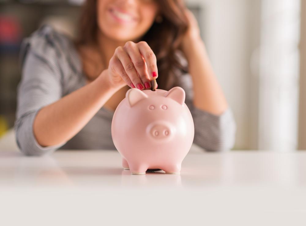 saving_money_piggy_bank.jpg