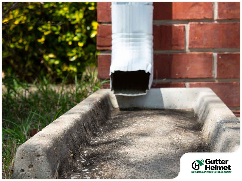 4 Signs That Your Downspouts Are In Good Shape Gutter Helmet