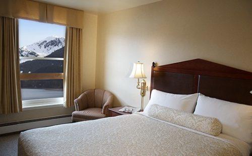 Wmbnf Queen View Room1 533X331