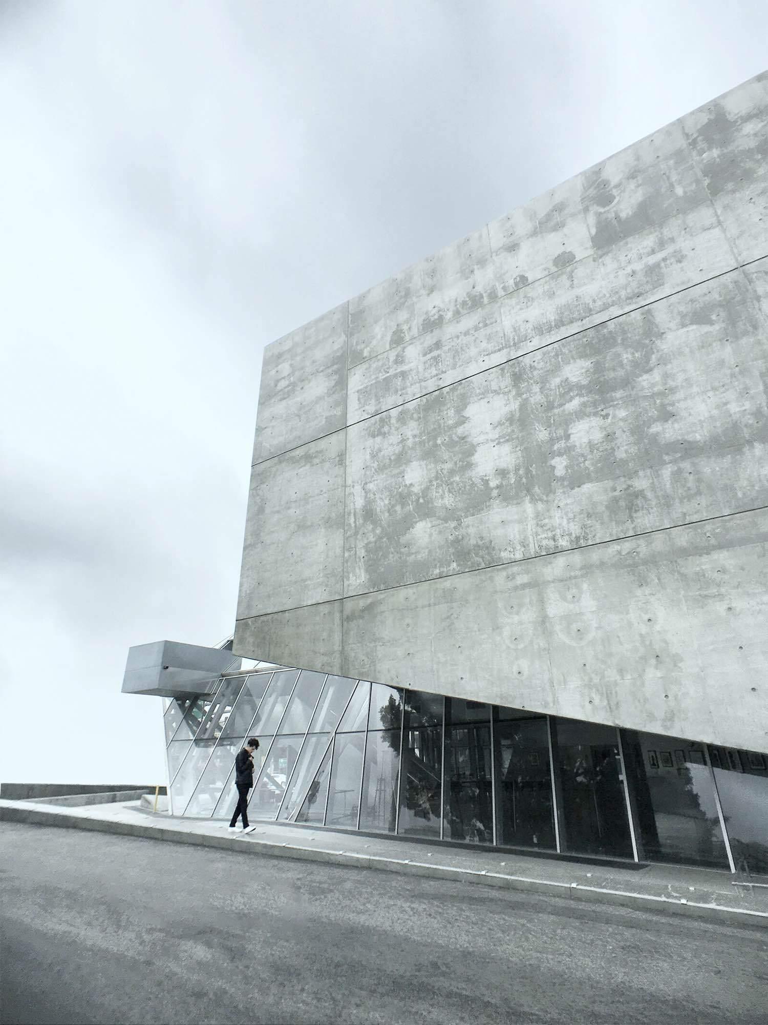 Minimalist Architecture 6