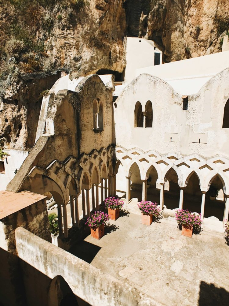 6 Surprising Facts About The Amalfi Coast Moment