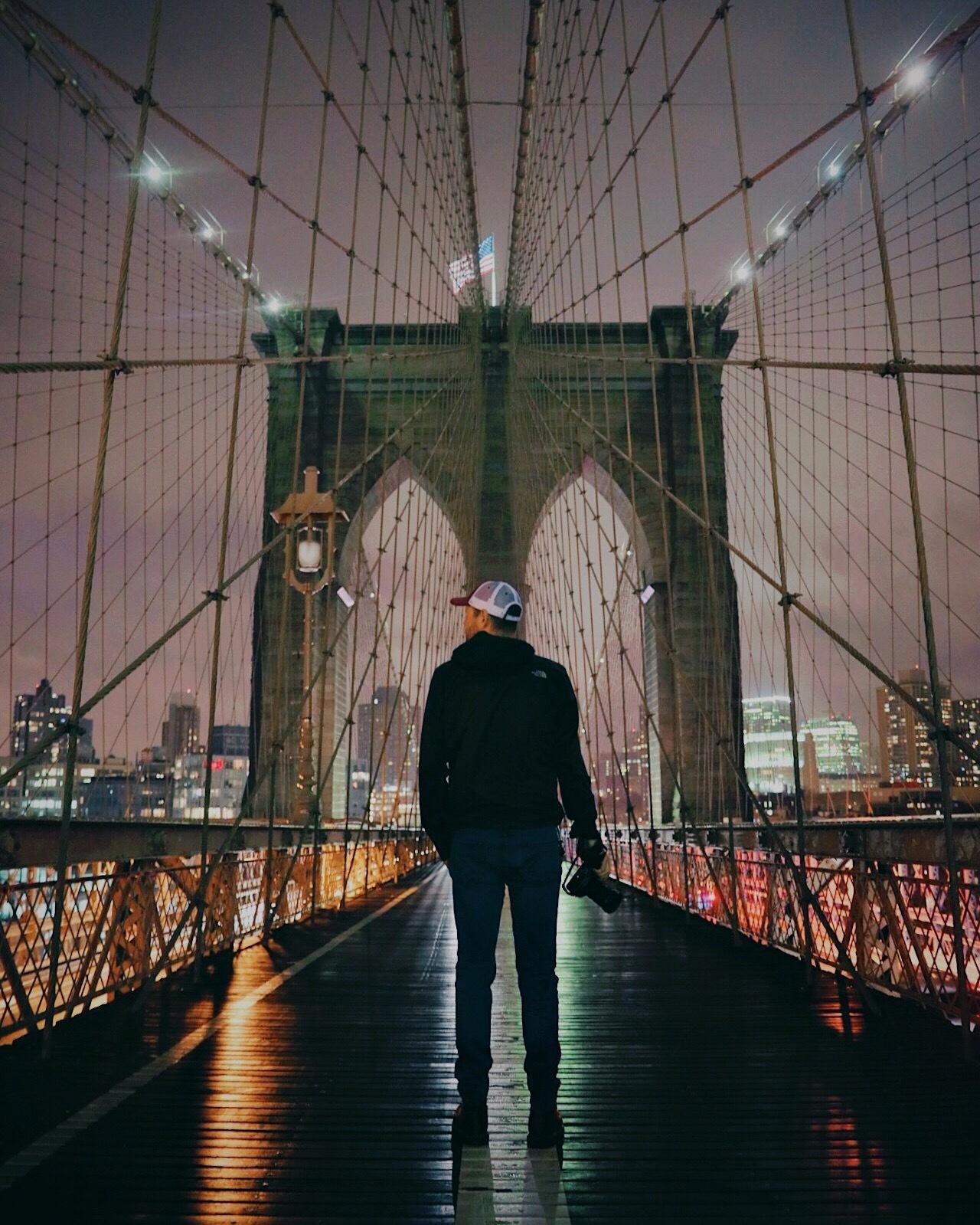 Moment Twheat Brooklyn Bridge