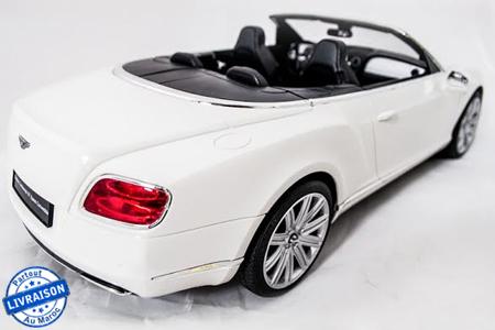 le jouet parfait pour votre petit avec cette voiture. Black Bedroom Furniture Sets. Home Design Ideas