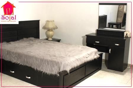 design et confort avec chambre coucher compl te comprenant 1 sommier 2 tables de chevet 1. Black Bedroom Furniture Sets. Home Design Ideas