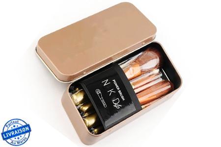 un maquillage parfait pour toute occasion avec une boite. Black Bedroom Furniture Sets. Home Design Ideas