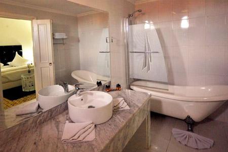 Un r veillon extraordinaire au ushuaia hotel clubbing avec for Chambre complete adulte payer en plusieurs fois