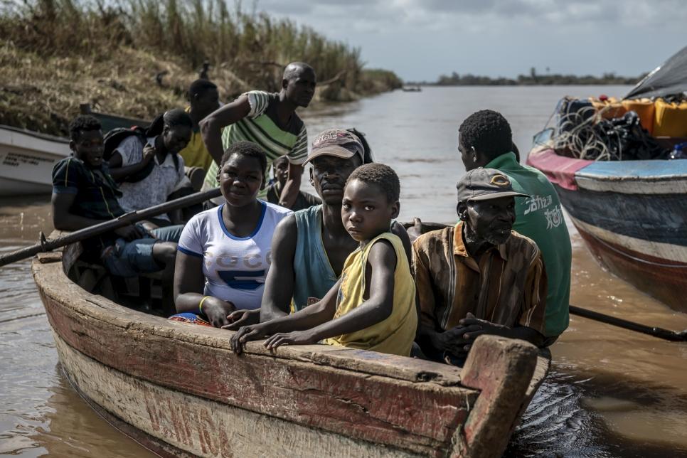 El ciclón Ida desplazó a unas 400.000 personas en el este de África, incluidos estos residentes de Buzi, Mozambique.