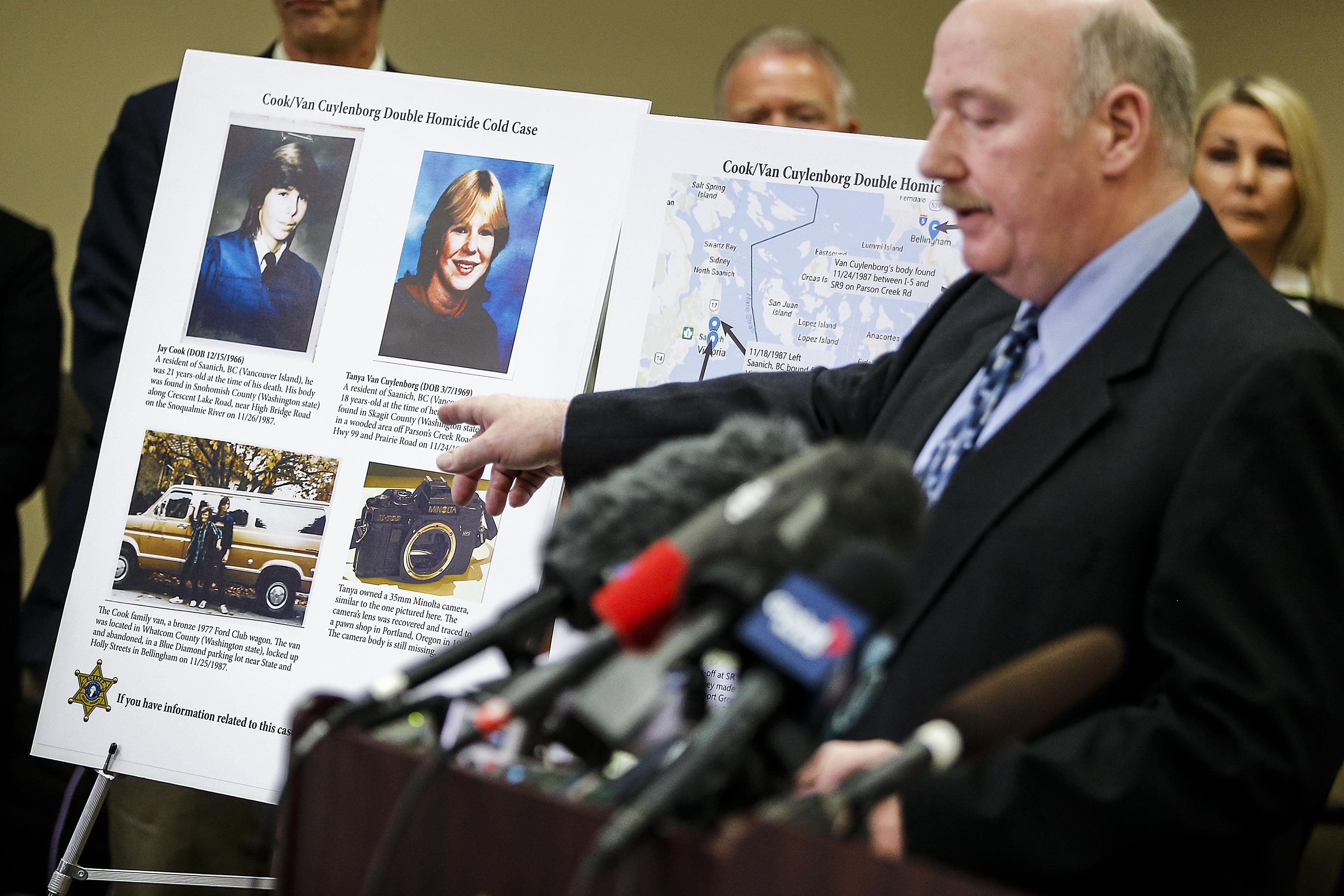 Jay Cook y Tanya Van Cuylenborg fueron asesinados en 1987. Durante una conferencia de prensa en mayo, los investigadores en el estado de Washington dijeron que la genealogía genética había señalado a un sospechoso en el caso frío.