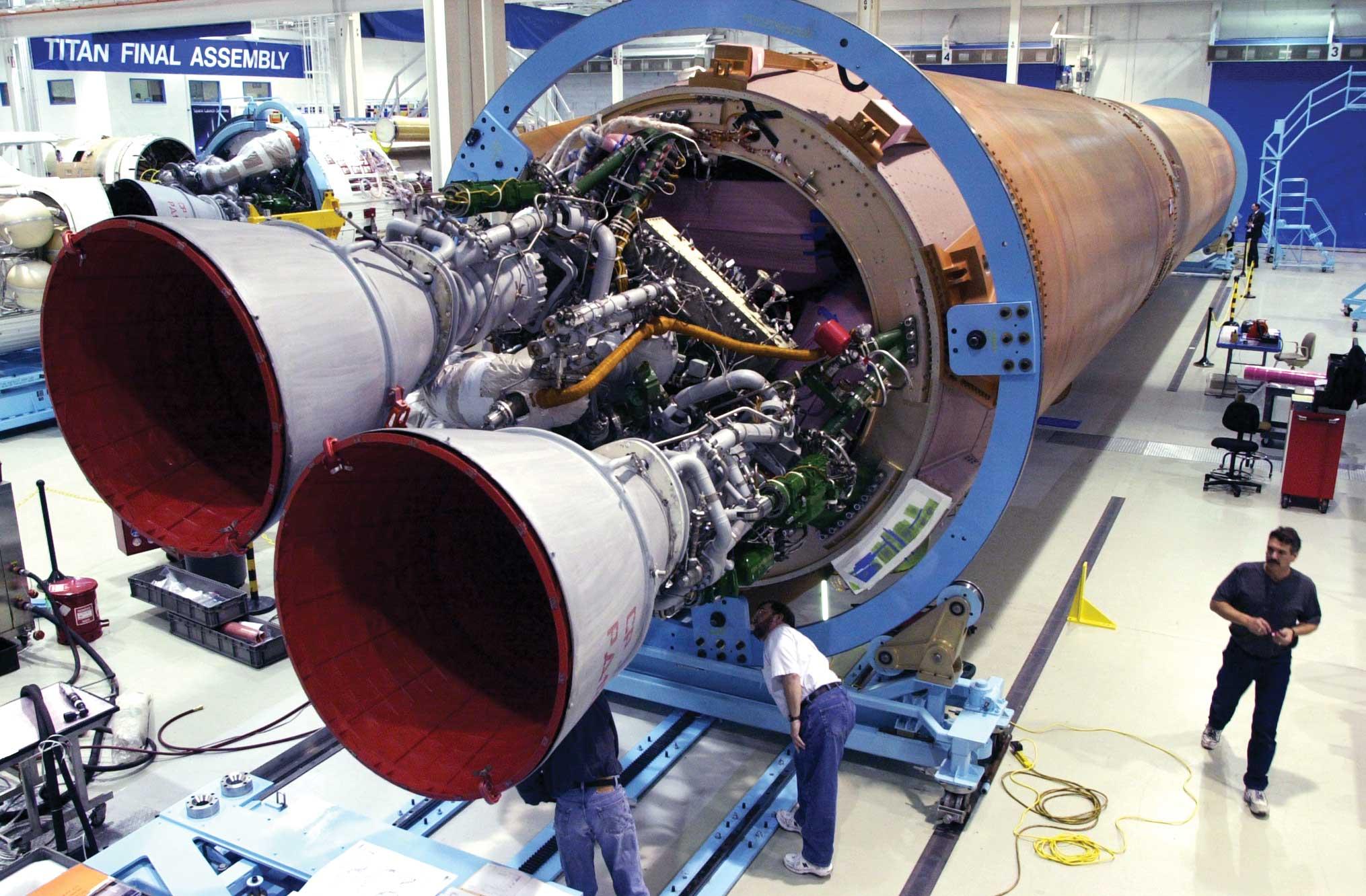 El motor ruso RD-180 ha impulsado decenas de lanzamientos Atlas V, algunos satélites que llevan espías diseñados, entre otros países, en el que se construyó.