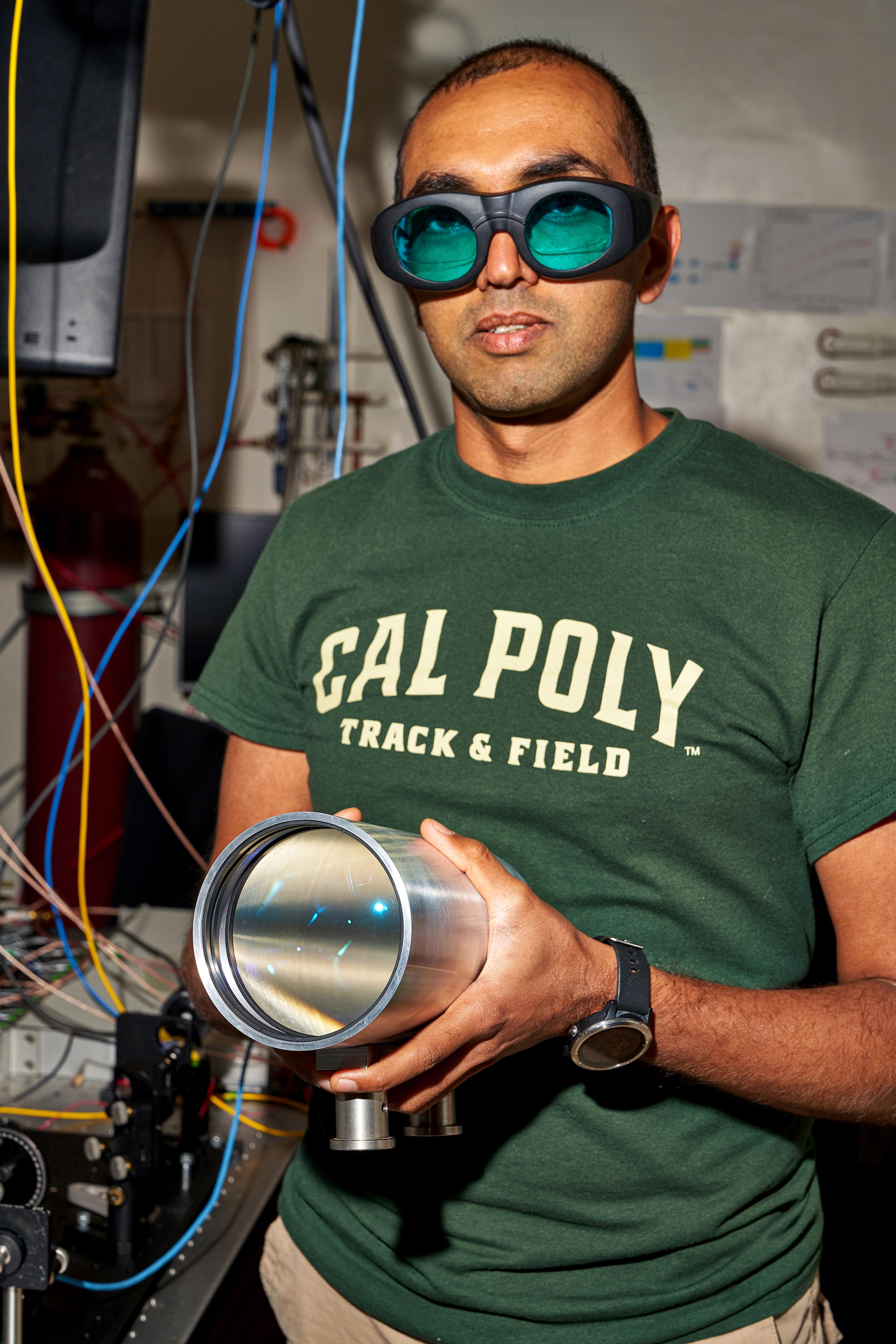Prashant Srinivasan se encuentra entre los que trabajan en la nave espacial de escala de obleas propulsada por láser que el grupo espera que alcance a Alpha Centauri en una generación.
