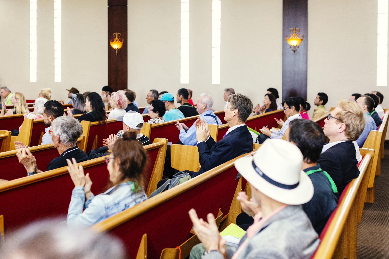 Congregantes en la Iglesia de la Vida Perpetua en Hollywood, Florida.