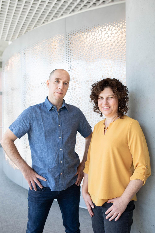 Noam Slonim y Ranit Aharonov, los investigadores de IBM detrás de Project Debater.