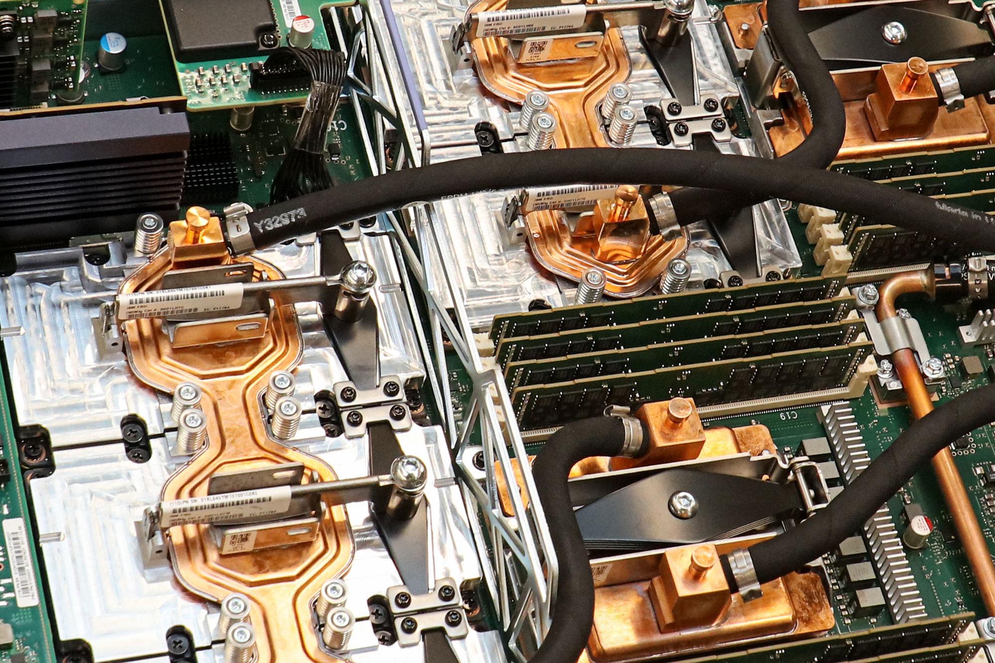 Nodo que contiene chips para la supercomputadora Summit.