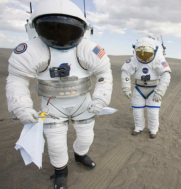 A look back at u s space suits mit technology review for Space suit design
