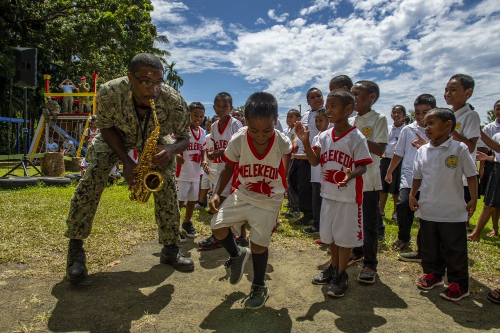 U.S. 7th Fleet Far East Edition Brass Band holds concerts at Palau Schools