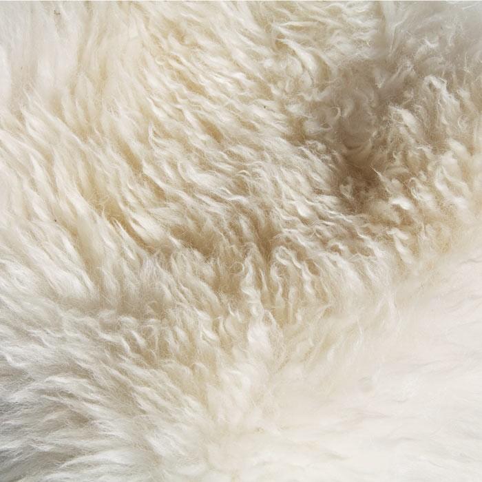 housse de tabouret pure peau de mouton top moumoute de fab design. Black Bedroom Furniture Sets. Home Design Ideas