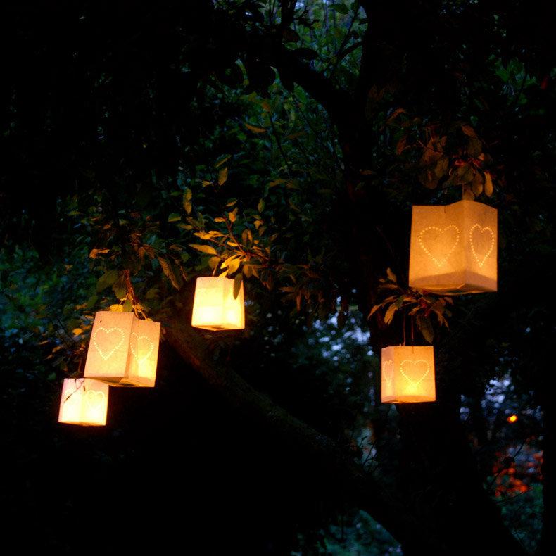 Petites lanternes photophores design en papier 10x10x13cm motifs - Ikea lanterne papier ...