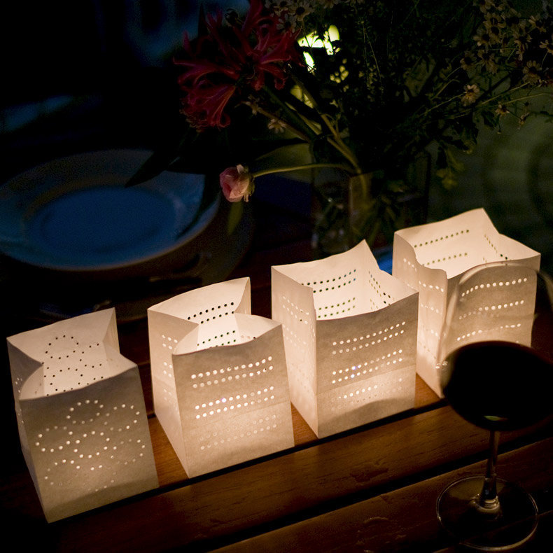 Petites lanternes photophores design en papier 10x10x13cm for Architecture papier