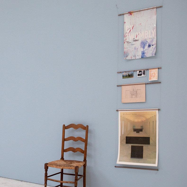 support suspendu chelle affiches design marie aurore stiker metral. Black Bedroom Furniture Sets. Home Design Ideas