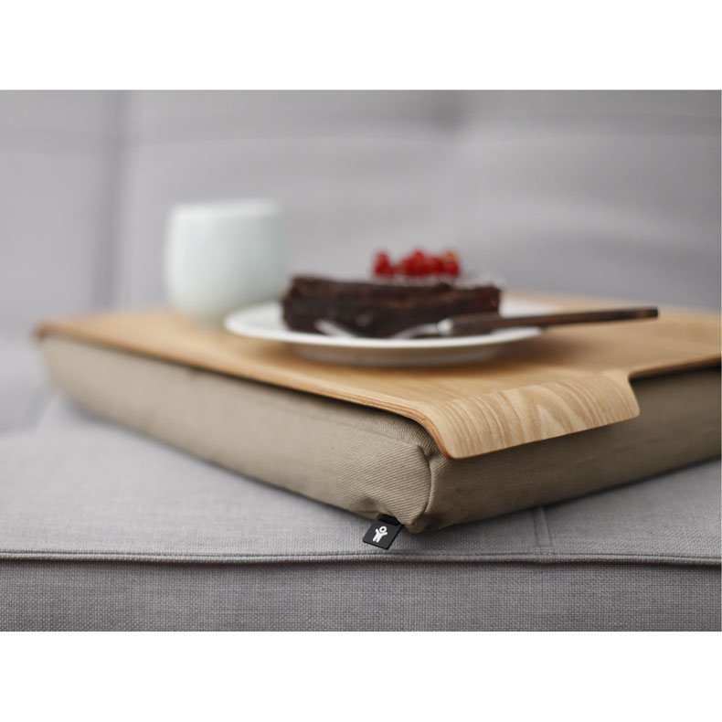 plateau avec coussin pour les genoux de bosign. Black Bedroom Furniture Sets. Home Design Ideas