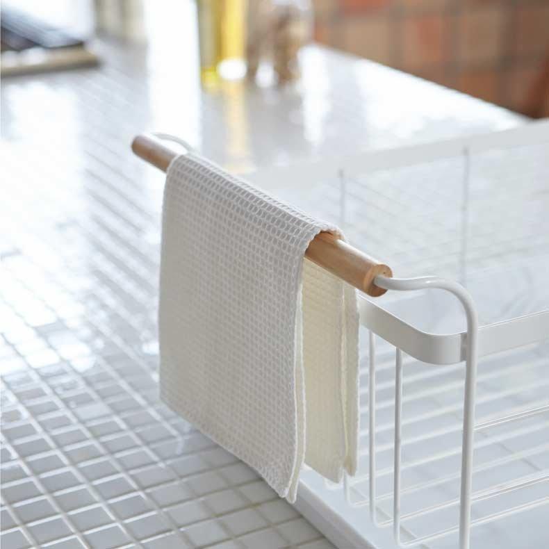 gouttoir en acier blanc et bois tosca yamazaki. Black Bedroom Furniture Sets. Home Design Ideas