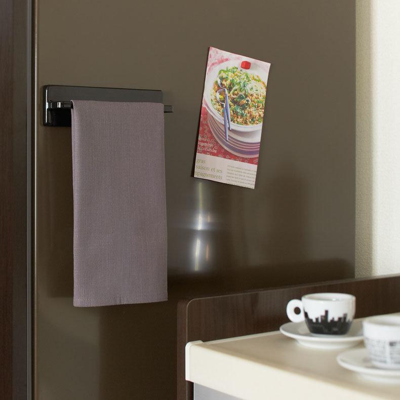 porte torchon magn tique tower yamazaki. Black Bedroom Furniture Sets. Home Design Ideas
