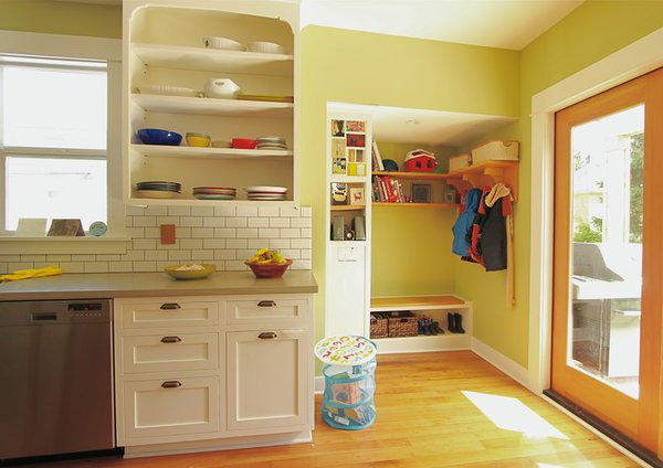 Ula And Dan S Kitchen With Banquette And Mudroom George