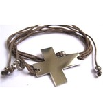 Bracelet Croix Grand modèle en argent sur lien taupe par L by l'avare pour Comptoir des Filles