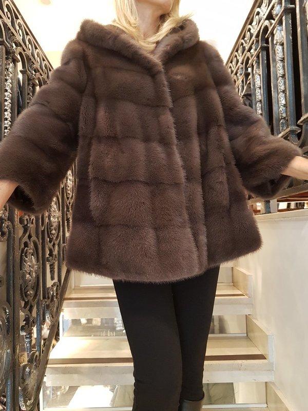 manteau capuche fourrure vison vas cpourl. Black Bedroom Furniture Sets. Home Design Ideas