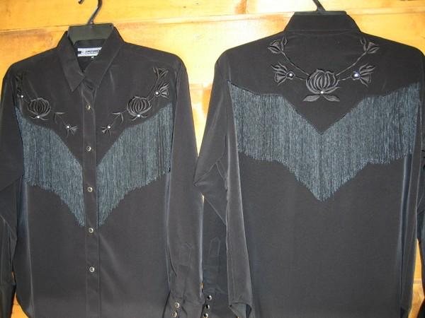 Chemise Daniali Noire à franges
