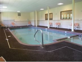 Lodge at Lincoln Station pool