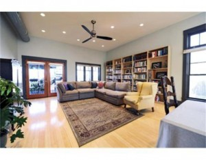 18 Carlton Livingroom