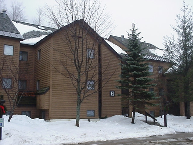 Pico Village Square Condos in Killington VT