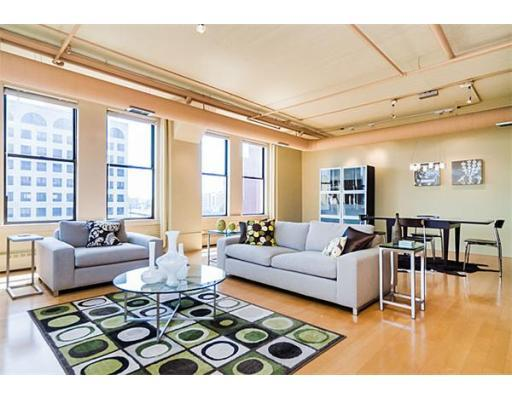 210 South Street Lofts Boston, Living Room
