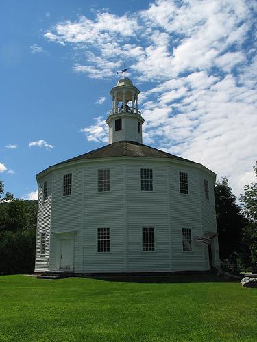 16 sided church of Richmond Vermont