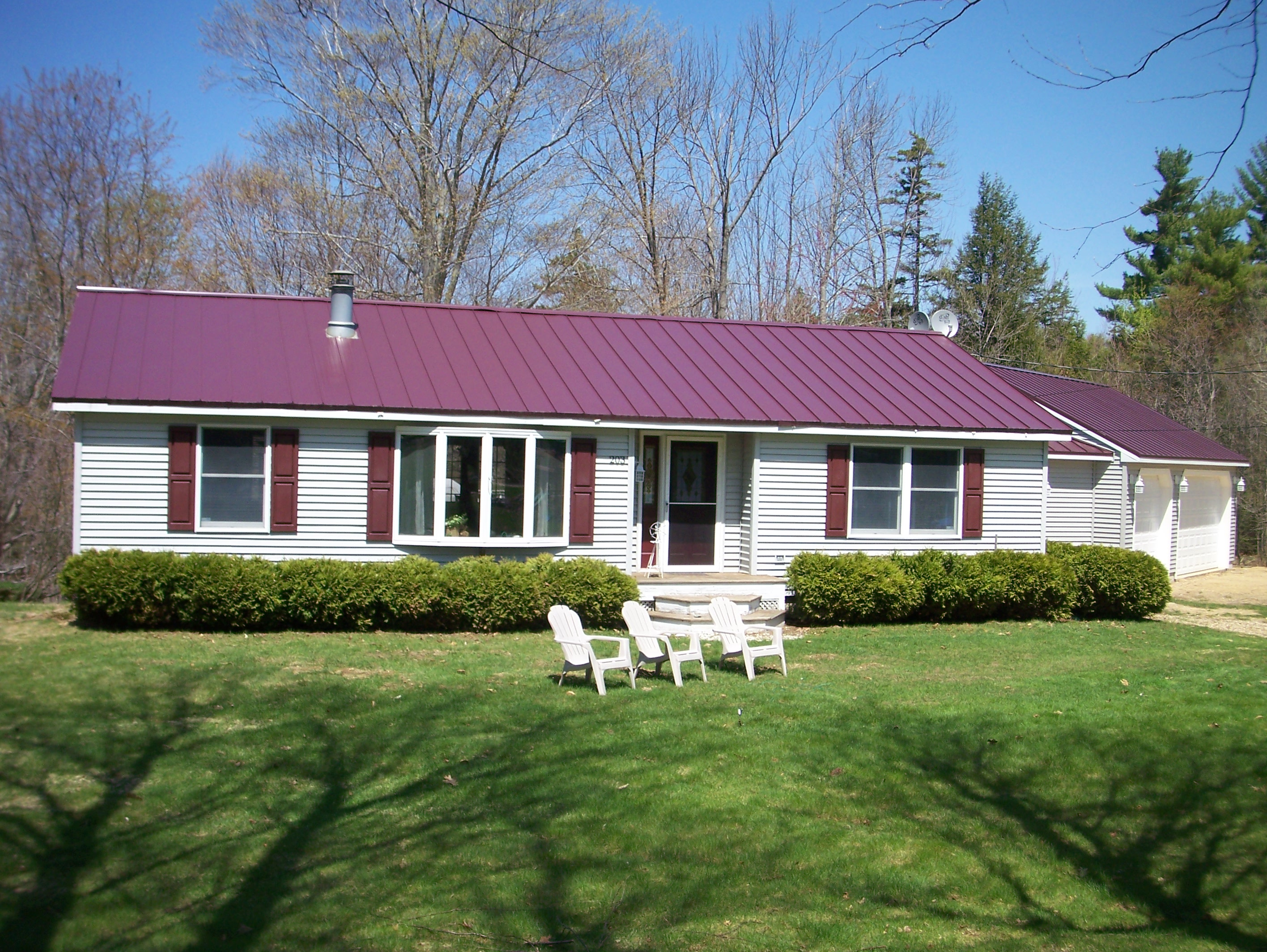 Great deals on lakes region of nh real estate lakes for Ranch style metal homes