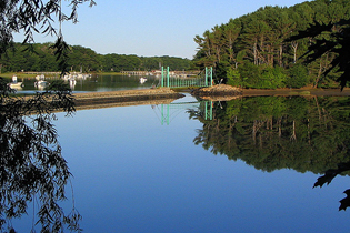 York Village's Mill Pond and Wiggley Bridge