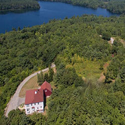 25 Blueberry Hill - Overview