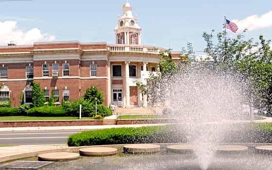 Hamden CT Town Info
