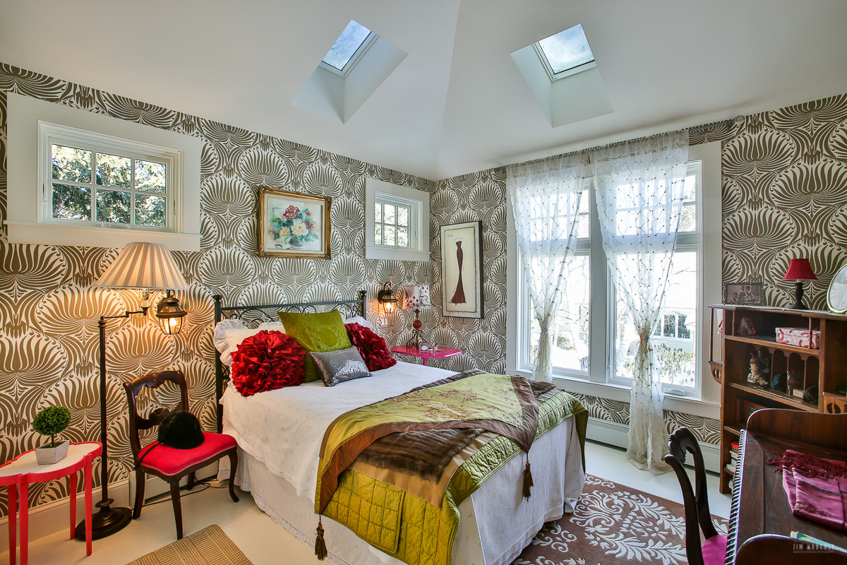 Beautiful Bedroom in an Upper Valley Home