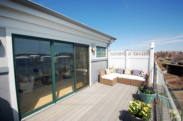 Roofdeck Penthouse Loft