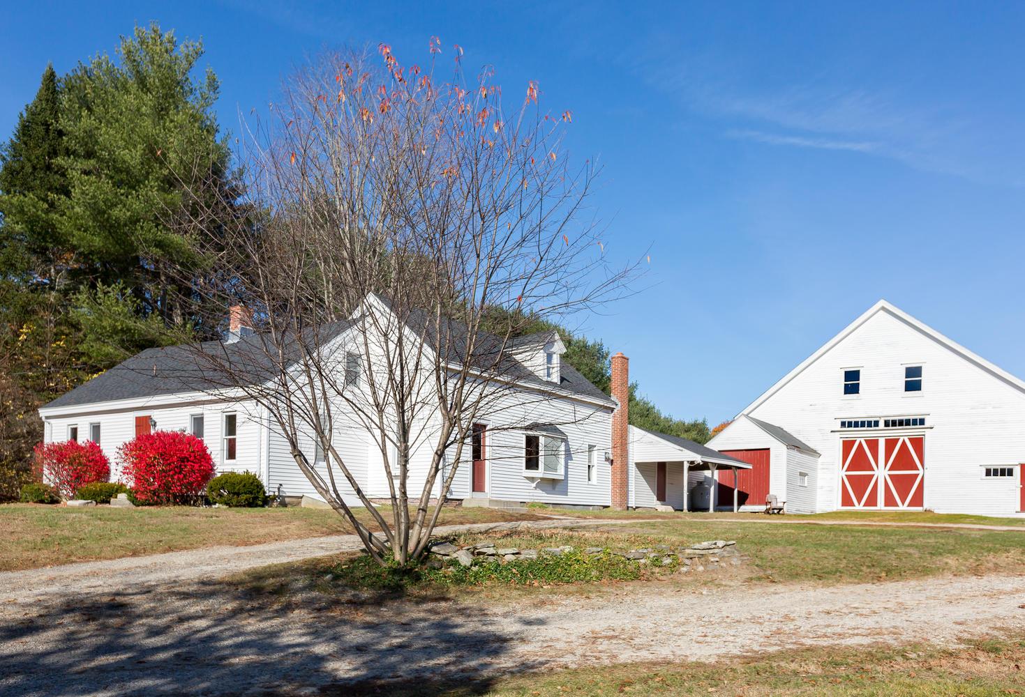Basics Of A Maine Barn Wedding Venue