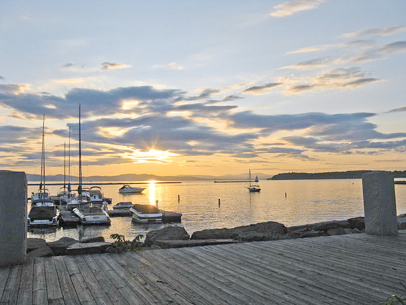Lake champlain homes for sale vermont real estate geri for Cabins burlington vt