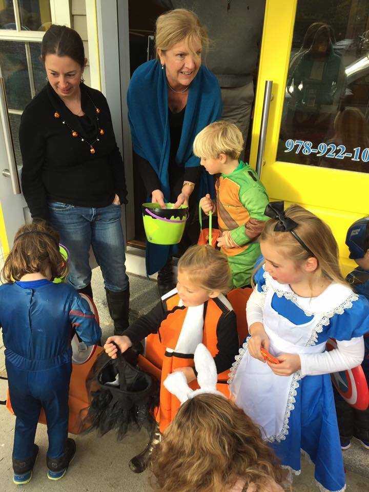 lux realty north shore trick or treat walk 2016