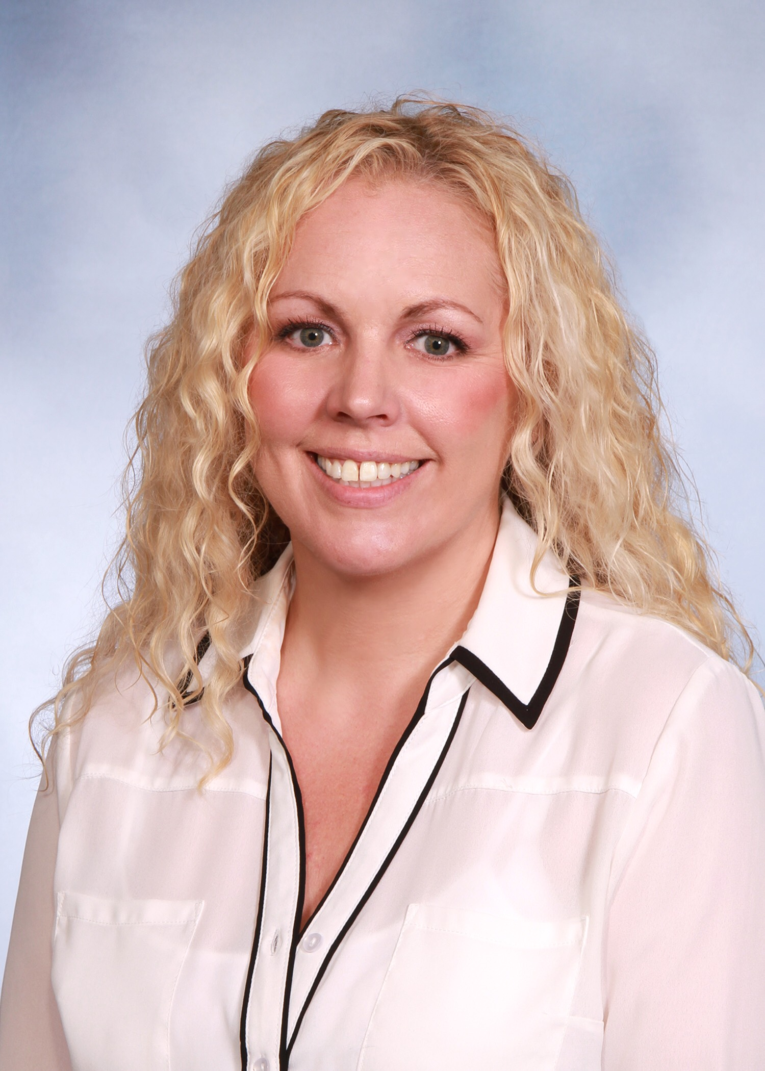 Noreen Kerrins Joins LUX Realty North Shore