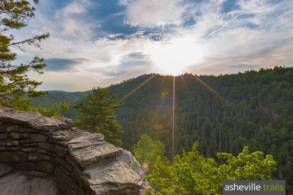 http://ashevilletrails.com/blue-ridge-parkway/linville-falls-trail-linville-gorge/
