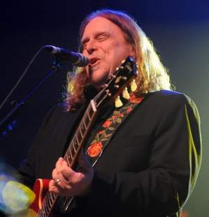 Warren Haynes will again host his popular Christmas Jam which is expanding to two nights this year in honor of its 25 year run. / John Coutlakis/jcoutlakis@citizen-times.com