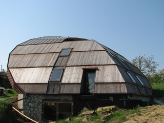 north-eastern view of the solar house Heliodome