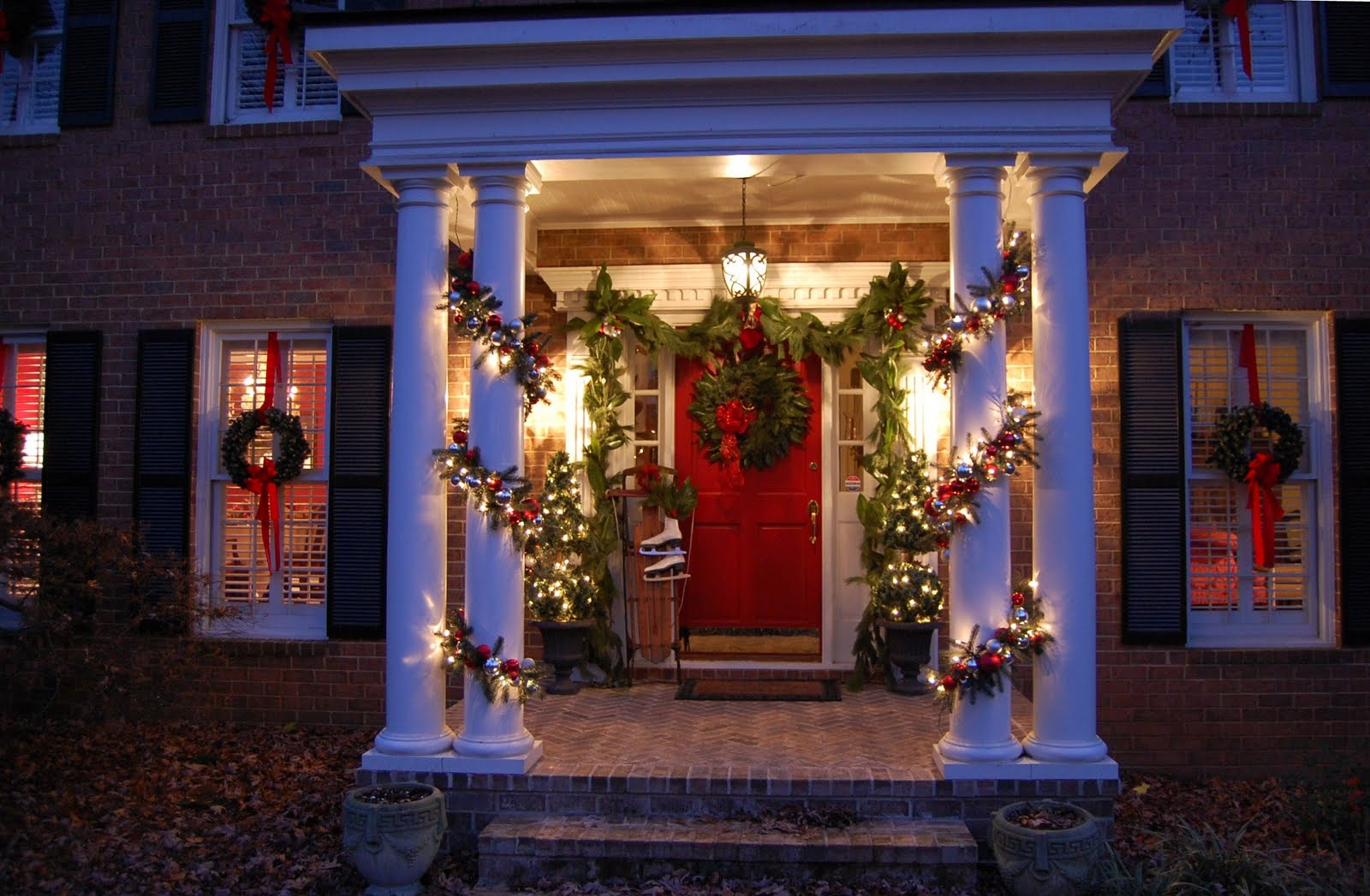 Exterior Holiday Home Lighting Tips